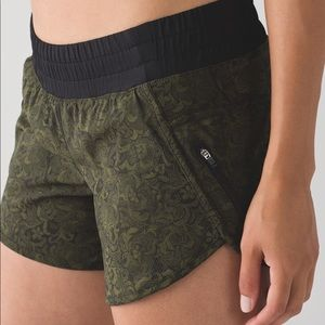 New! Lululemon Speed Shorts Olive Black Lace